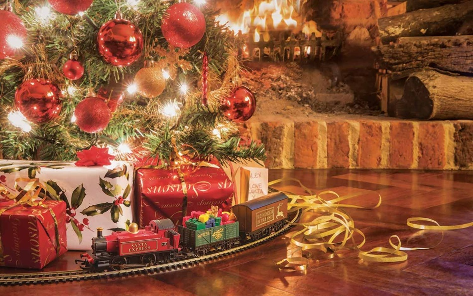 Hornby R1210 Santa's Express Christmas Train Set Idea Run Round  - Christmas Trains For Under The Tree